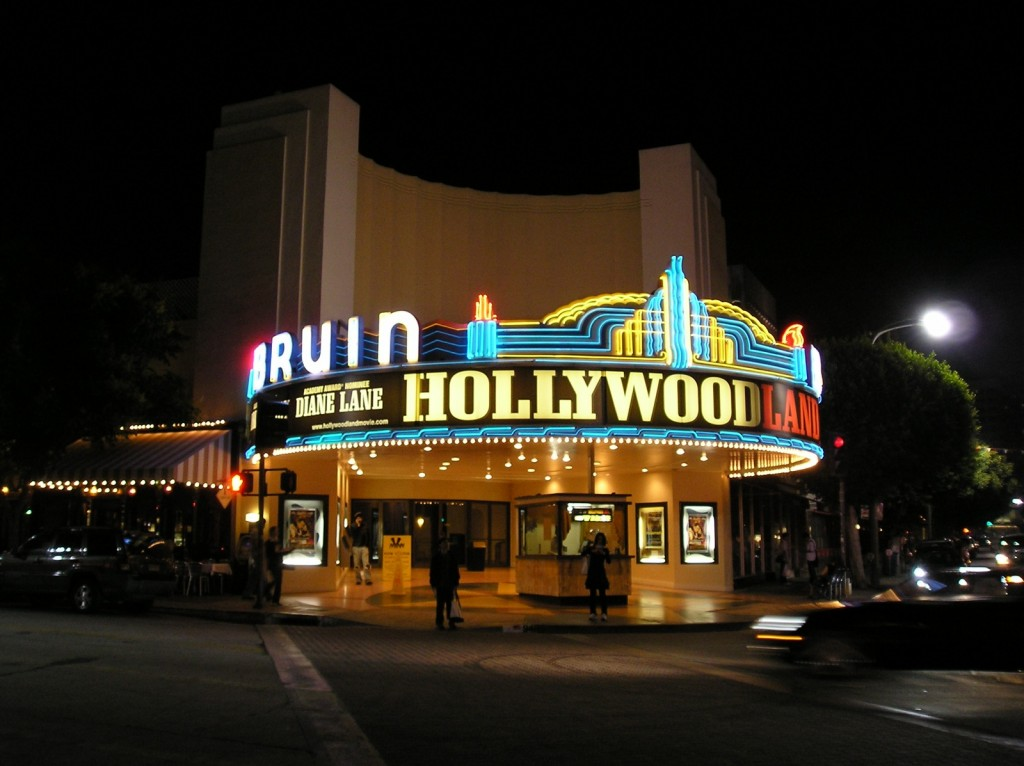 Bruin_Theatre,_Westwood,_Los_Angeles,_CA_,_at_night