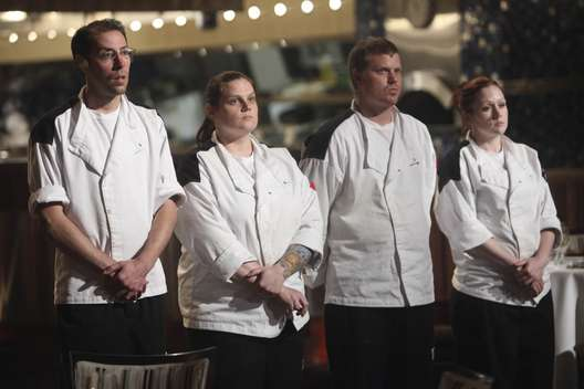 its been a long haul this season and as fox backed to backed two seasons of hells kitchen we had the chance to see how disinterested the producers are - Hells Kitchen Season 9